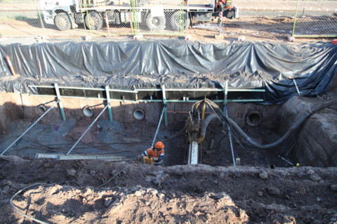 What are some of the factors that microtunnelling contractors have to consider when installing pipelines?