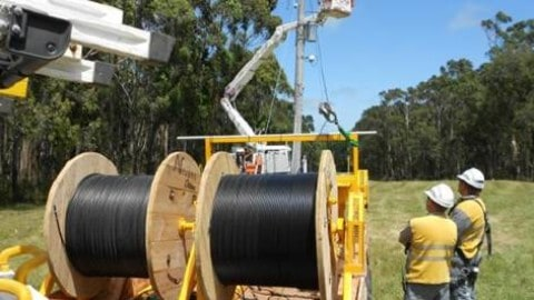 Technology to reduce powerline bushfire risk