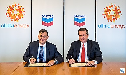Chevron Australia Managing Director, Roy Krzywosinski with Alinta Energy's Chief Executive Officer, Jeff Dimery.