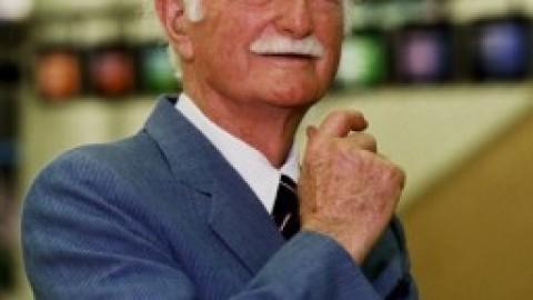 Australian engineer John Connell passes away