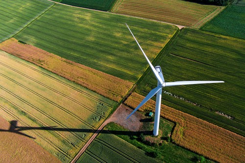 Monash strengthens wind farm buying group