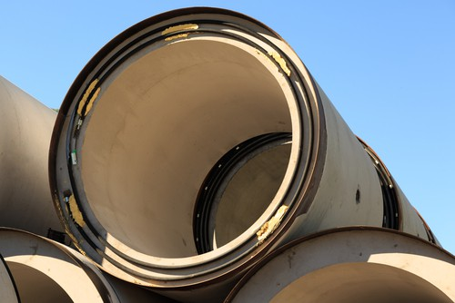 What are the benefits of selecting an unbiased expert for a trenchless project?