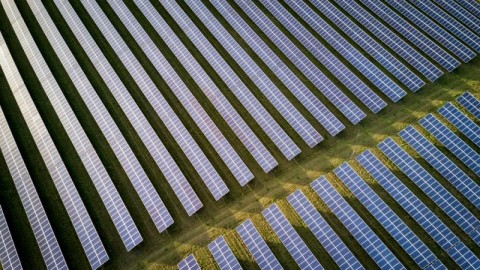 Big batteries power up Gannawarra Solar Farm