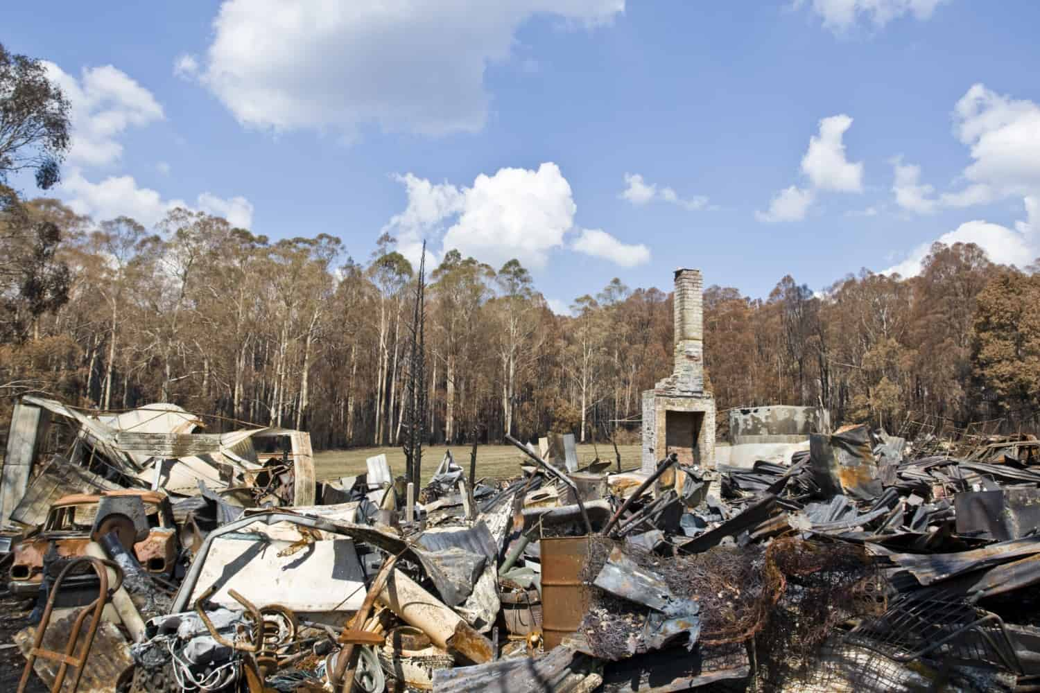 Bushfire victims to receive home batteries