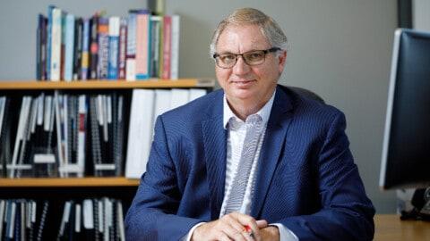 Utility CEO announces retirement